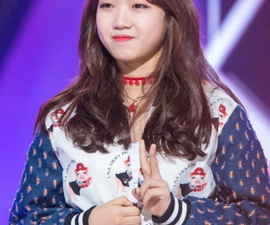 kpop, produce 101, and yoojung image