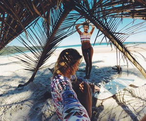 aesthetic, beach, and friendship image