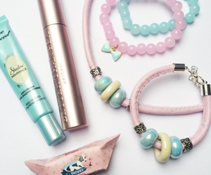 blue, jewlery, and too faced image