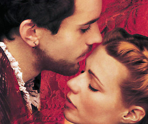 boy and shakespeare in love image