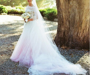 Anne Hathaway, wedding dress, and bride image