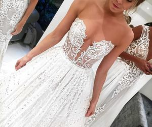 princess, wedding dress, and lace wedding dress image