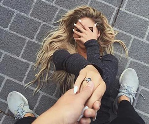 couple, grunge, and holding hands image