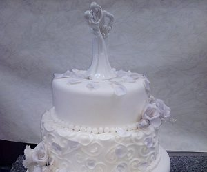 cake, flowers, and cakes image