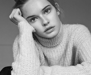 beauty, portrait, and black and white image