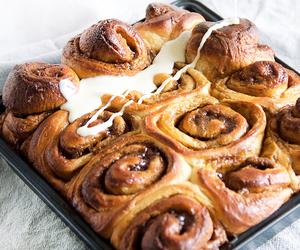 bread, cinnamon roll, and cream cheese image