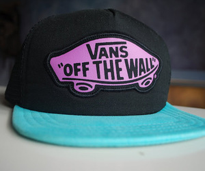 vans, gorra, and vans off the wall image
