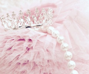 beautiful, crown, and pink image