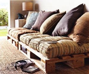 sofa and pillow image