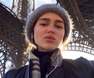 aesthetic, big lips, and brown hair image