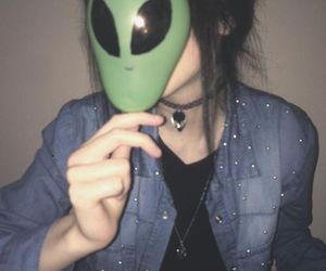 grunge, alien, and girl image
