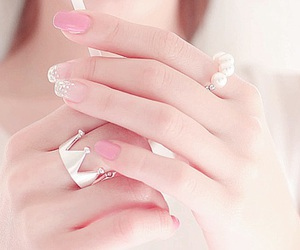 nails, pink, and jewellery image