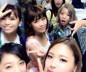flower and e-girls image