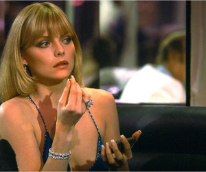 michelle pfeiffer and scarface image