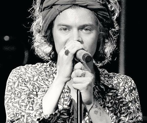 Harry Styles, where we are tour, and wwat image