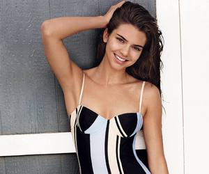 moda and kendall jenner image