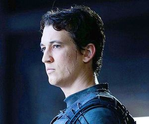 peter hayes, divergent, and miles teller image