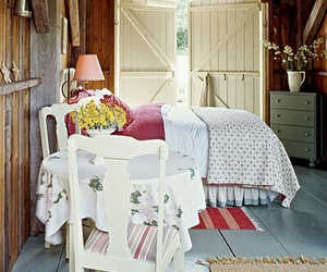 cottage and home decor image
