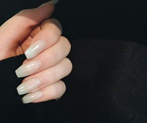 nails and kelsey image