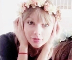 Taylor Swift, icon, and flowers image