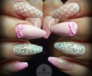 nails pink bows image