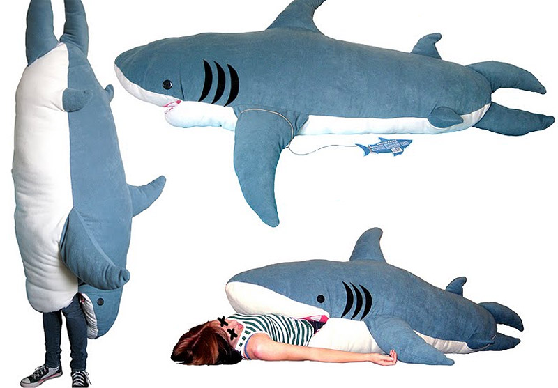 new products f26a6 11de7 Kendra Phillips – Shark Sleeping Bag. « jannike viveka.