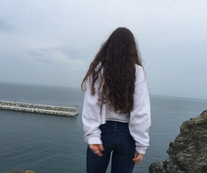 curly hair, girl, and style image