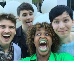 glozell, danisnotonfire, and phil lester image