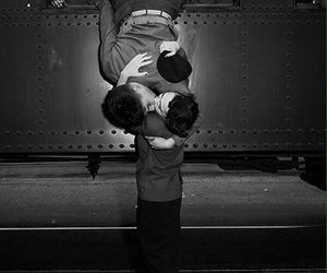 amor, beso, and despedida image