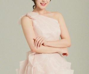 korean girls, kim ji won, and k actreses image