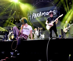 bands, concert, and hayley williams image