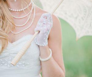 beautiful, feminine, and gloves image
