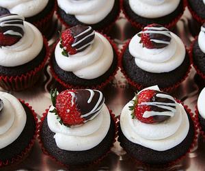 cupcake, chocolate, and strawberry image