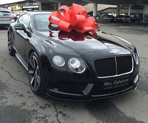 car, luxury, and Bentley image