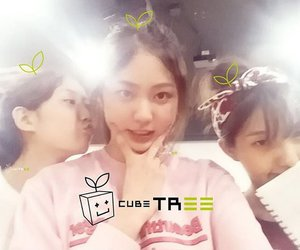 soyeon, younseo, and eunbean image