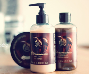 shower gel and chocolate image