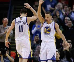 Basketball, stephen curry, and thompson image