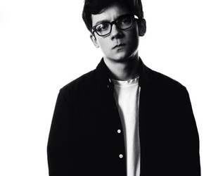 asa butterfield image