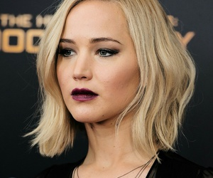 Jennifer Lawrence, books, and hunger games image