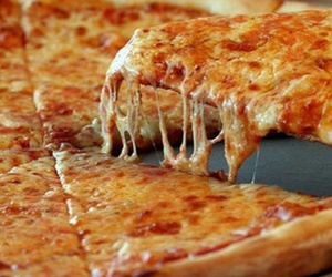 pizza, chesse, and cheesseee image