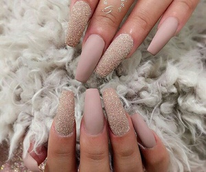 nails, luxury, and pretty image