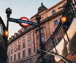 london and underground image