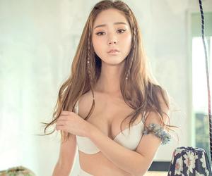 model, chuu, and ulzzang image