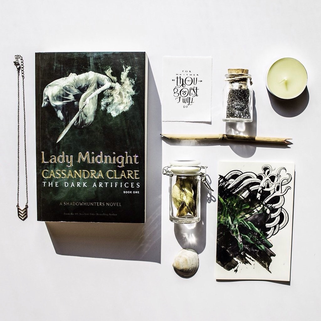 book, tumblr, and lady midnight image