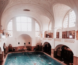pool and architecture image