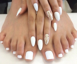 nails, white, and sparkly image