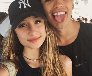 couple, savannah montano, and jessey stevens image