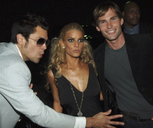 jackass, jessica simpson, and Johnny Knoxville image