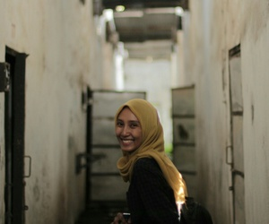 hijab, travelling, and jamur image