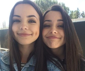 h, twins, and merrell twins image